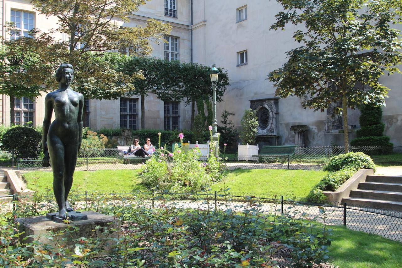 Les jardins du marais for Jardin lazare rachline rue payenne paris 3eme