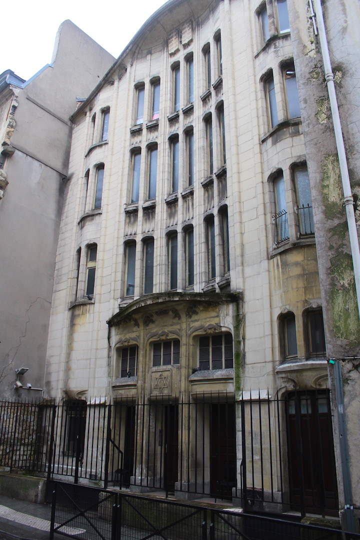 Rue des Rosiers   Jewish Quarter Paris   Le Marais