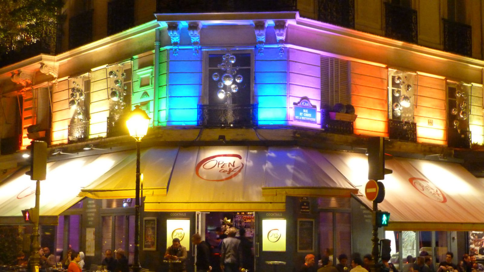 Paris pigalle gay