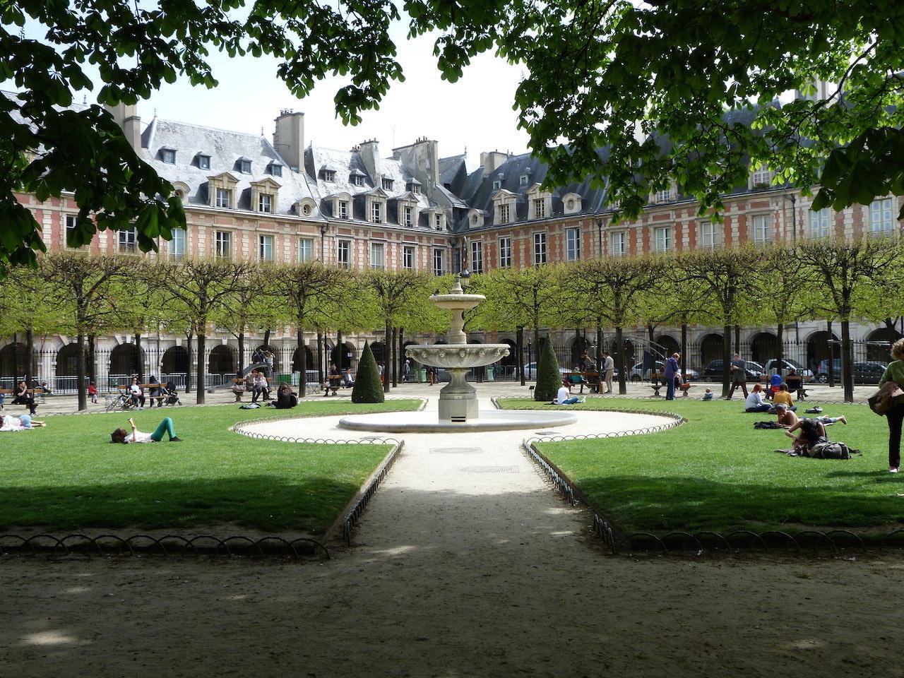 În palatul din inima Parisului | Societate | DW |
