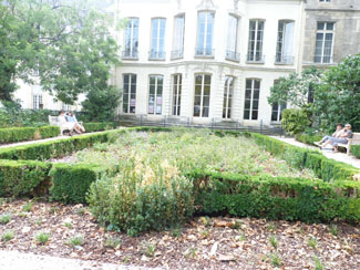 Jardins des Archives nationales Le Marais 75003