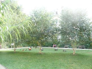 Jardin des rosiers Le Marais 75004
