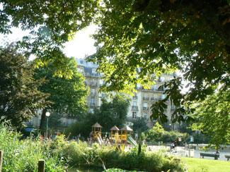 Square du temple Le Marais 75003