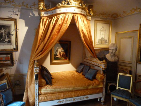 Le marais under napoleon french empire bonaparte for Empire style bed