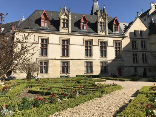 LA VEGETALISATION PARTICIPATIVE EXASPERE LES PARISIENS