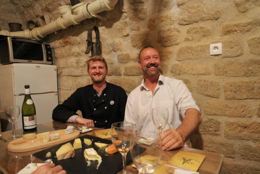 Paroles de fromagers : A la découverte de la caséologie