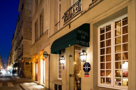 Stay in a charming house in Ile Saint Louis