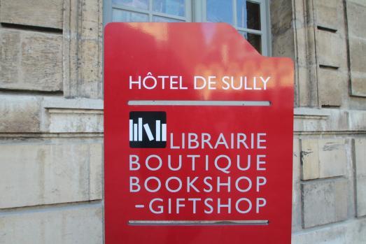 Découvrez la plus belle librairie du Marais