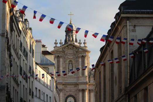 Bals des 13 et 14 juillet dans les casernes de pompiers à Paris