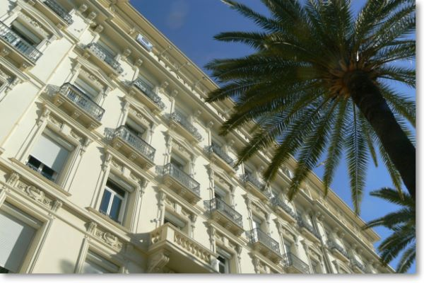Book Now The Best Rooms Of Hotels Http Www Parismarais Europe Php Zone Coteazurregion