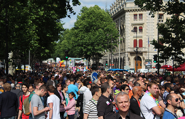 Le Marais under the rainbow (Paris, Gaypride 2013)