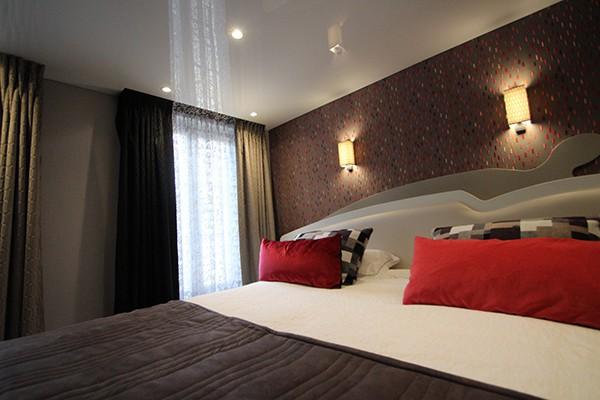 BEST BUDGET HOTEL IN LE MARAIS : HOTEL DU VIEUX SAULE