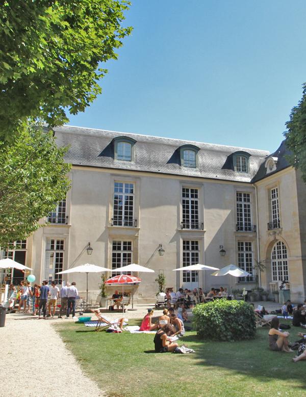 Enjoy the Best Parisian Terraces