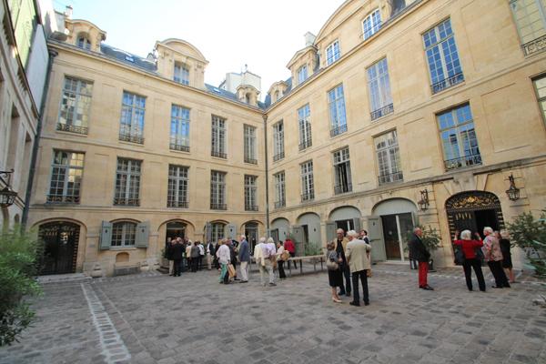 Discover Le Marais : Hotel de Lauzun