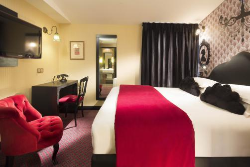 Romantic Hotels in Paris for Valentine's Week