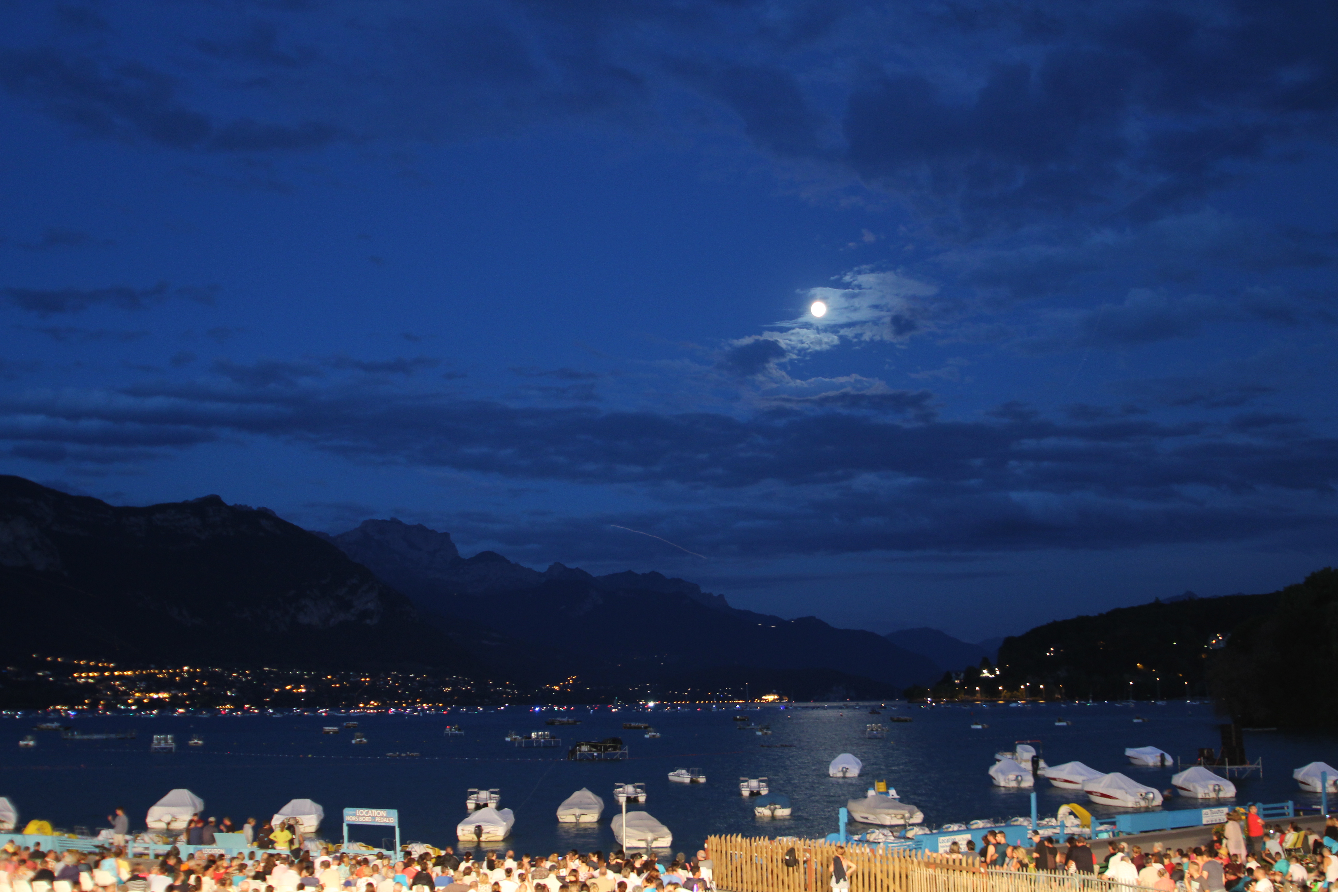 Swan Lake in the French Alps : Annecy
