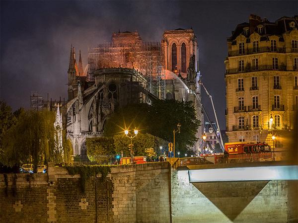 Notre Dame de Paris, le grand incendie