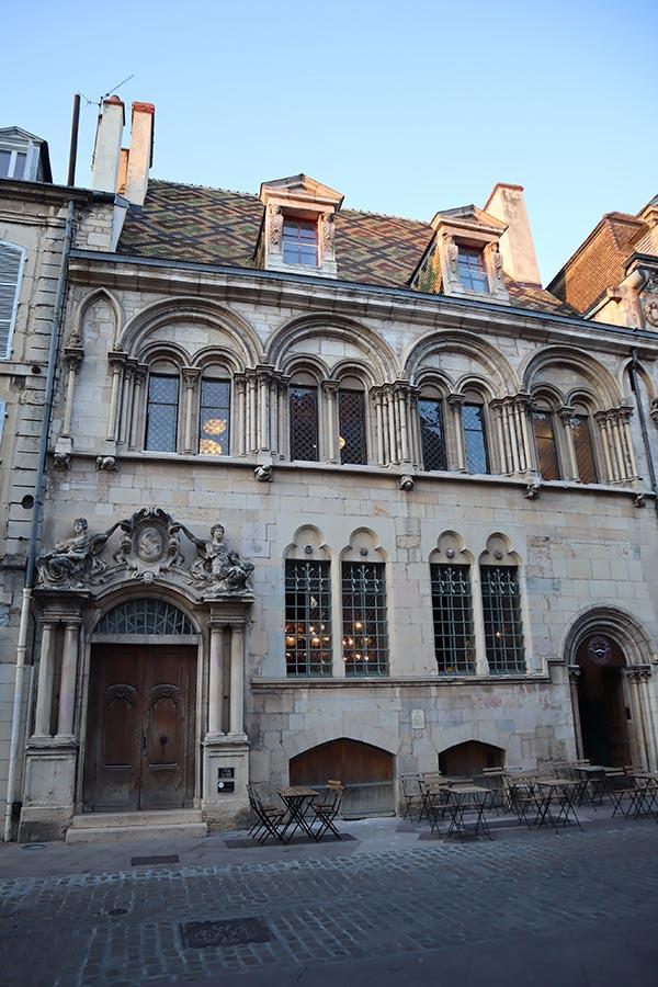 Monsieur Moutarde, rue des Forges, le bar à cocktail chic de Dijon