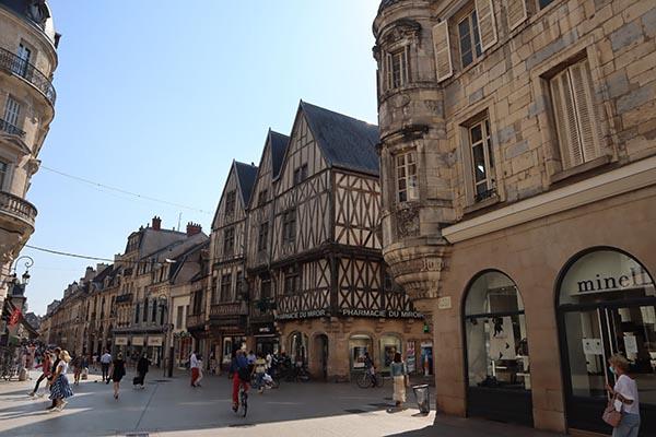 Rue de la Liberté, maisons médiévales