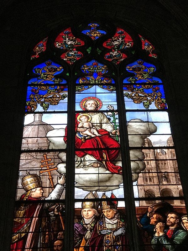 Les superbes vitraux de L'église St Michel