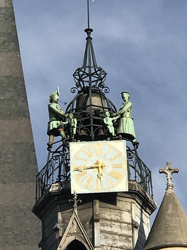 Le Jacquemart de Notre Dame, les personnages s'animent à chaque heure